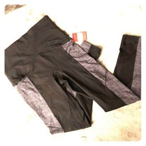 Spanx Active Color Block leggings, NWT.